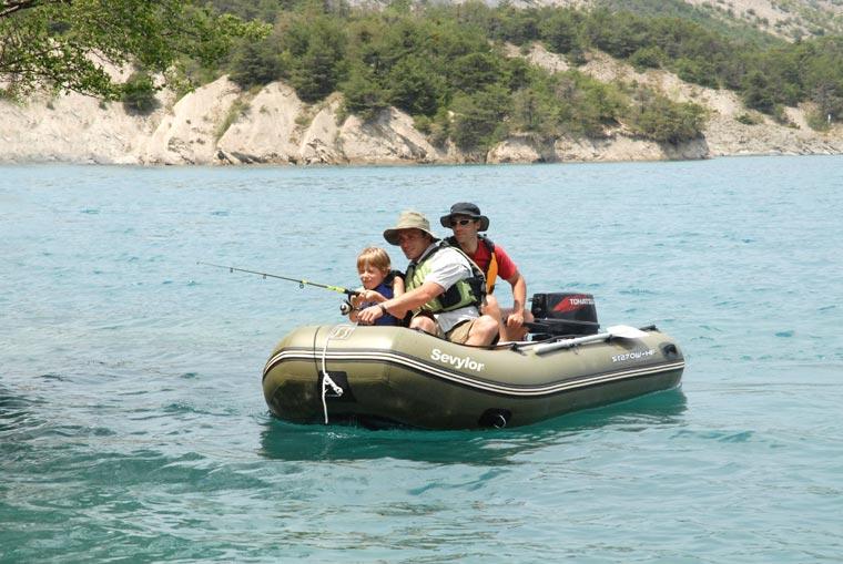 Motorboot ST270W-HF - hochwertiges Angelboot für  den professionellen Angelsport;